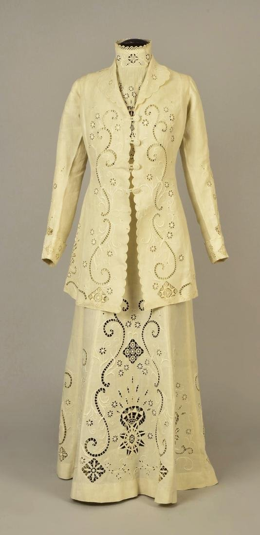 CUTWORK LINEN 3-PIECE WALKING SUIT, 1908