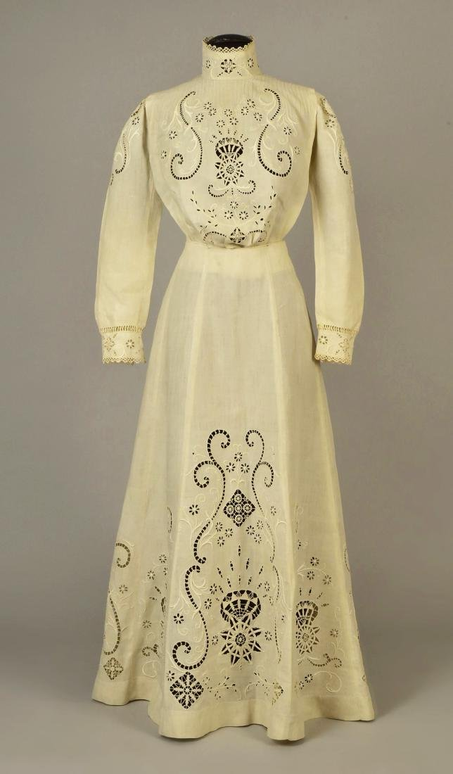 CUTWORK LINEN 3-PIECE WALKING SUIT, 1908 - 3