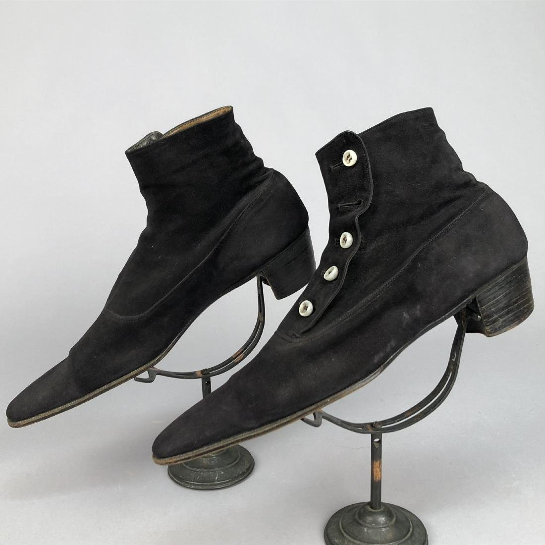 GENT'S SUEDE HIGH BUTTON SHOES, EARLY 20th C. - 2