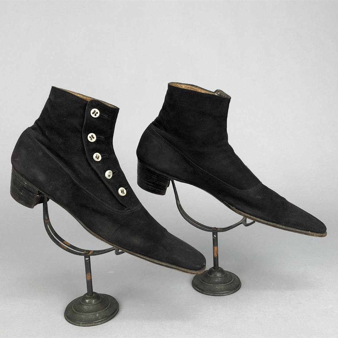 GENT'S SUEDE HIGH BUTTON SHOES, EARLY 20th C. - 3