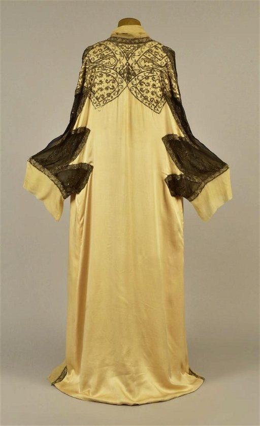 a644e49fd754 PAQUIN COUTURE BEADED SILK EVENING COAT, 1911