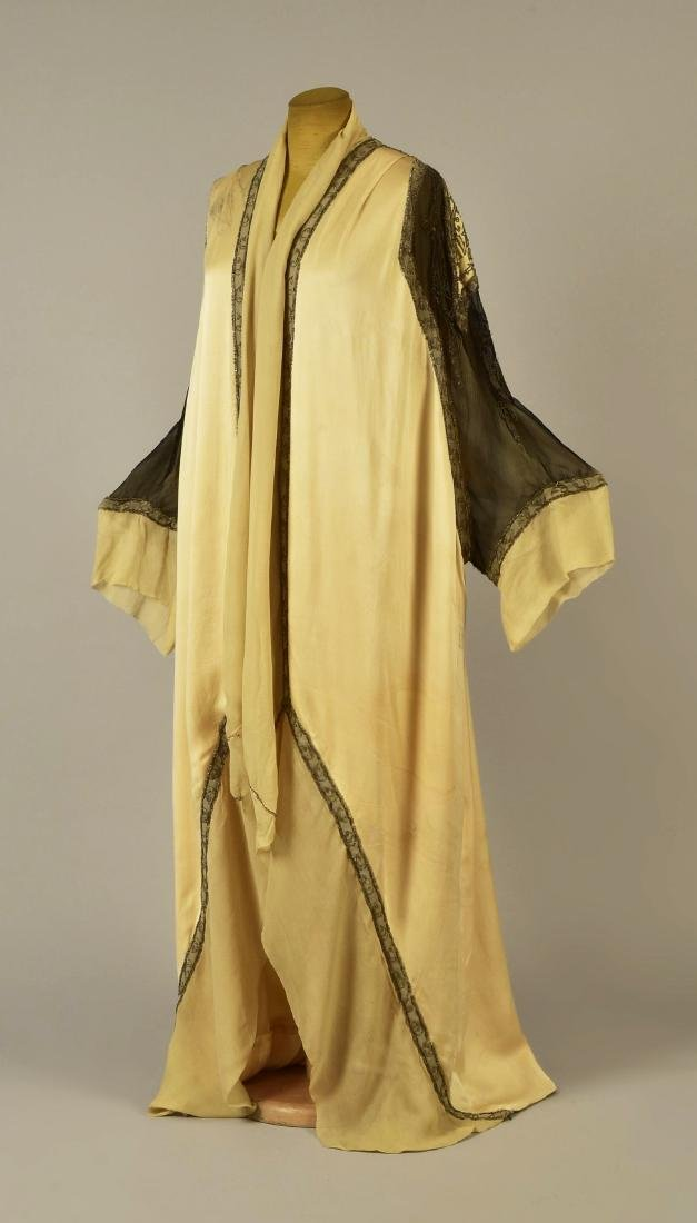 PAQUIN COUTURE BEADED SILK EVENING COAT, 1911 - 2