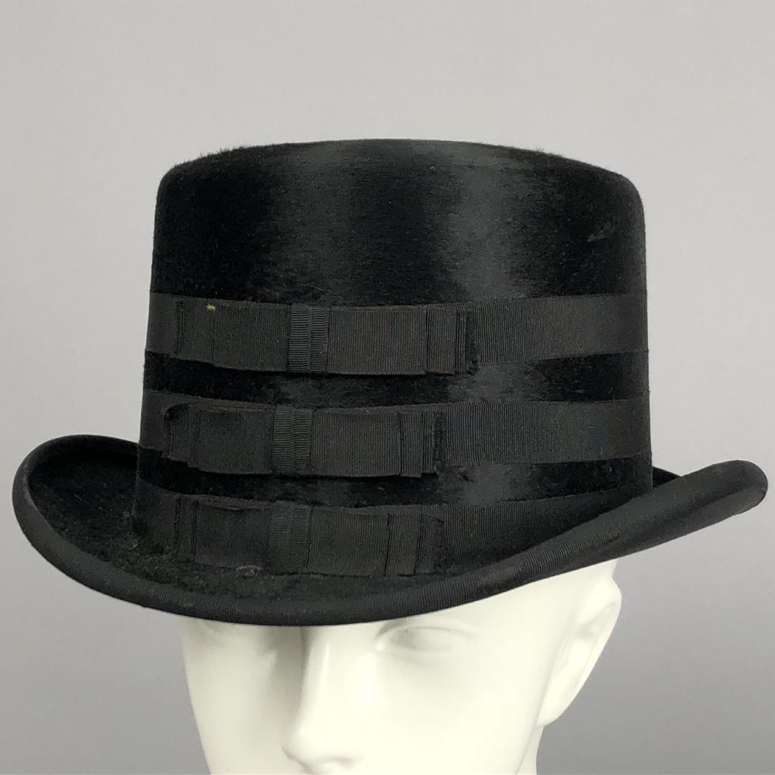 TWO BLACK VELVET WIDE-BRIM HATS, c. 1918 - 3