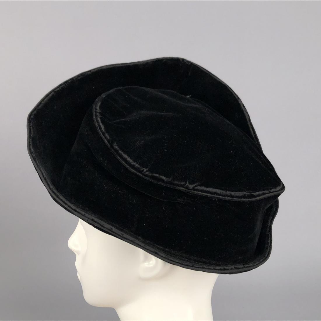 FOUR VELVET HATS, 1914 - 1918 - 8