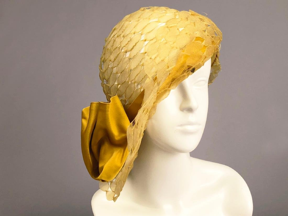 PARIS LABEL WIDE-BRIM HORSEHAIR CLOCHE, c. 1930
