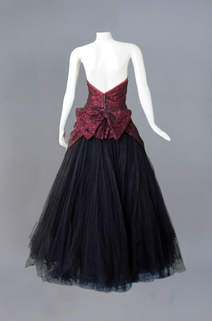 JACQUES HEIM COUTURE SILK and CHANTILLY LACE GOWN, c. - 3