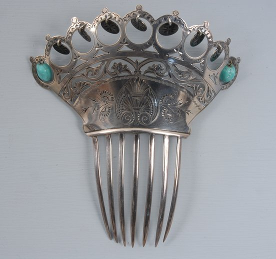 22: STERLING SILVER BACK HAIR COMB, 1860-1880 Pierced a