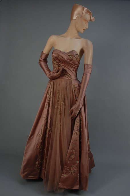 523: MAUVE SATIN BEADED STRAPLESS GOWN and GLOVES, 1950
