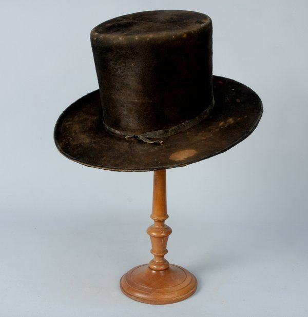 589: TWO GENT'S HATS, 1830-1860 Both black fur with low
