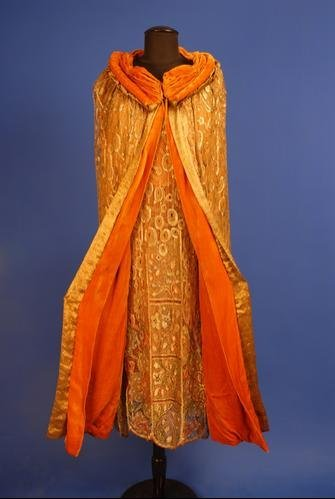 304: BEADED and JEWELED GOLD LACE DRESS and CAPE, 1920'
