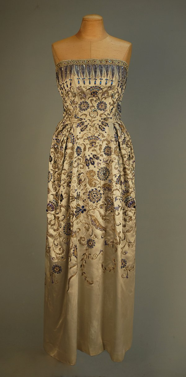 "635: CHRISTIAN DIOR ""PALMYRE"" COUTURE EVENING GOWN, 195"