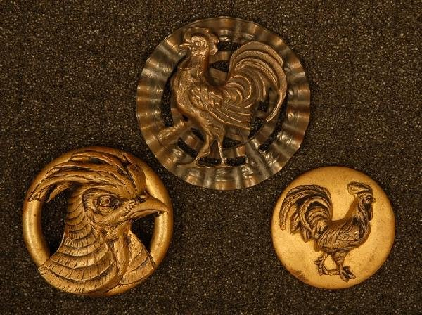 THREE HIGH RELIEF ROOSTER BUTTONS. Extra large copper 1