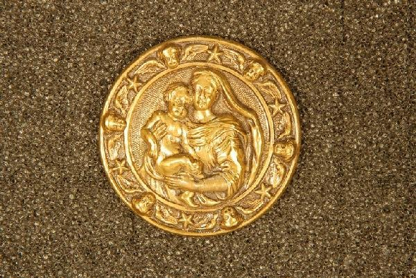 MADONNA and CHILD BUTTON. Large 1-piece stamped brass d