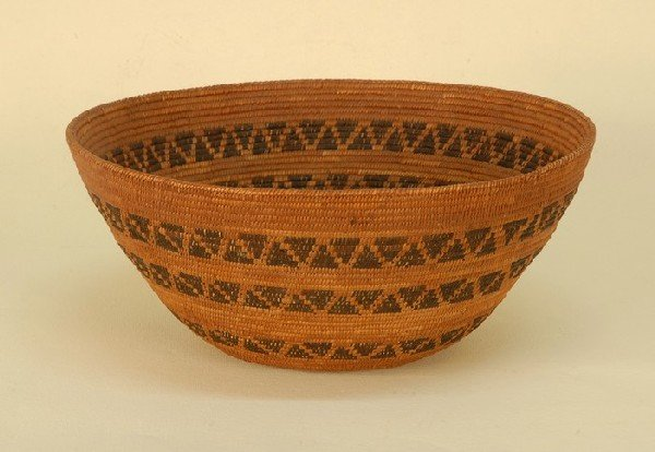 NATIVE AMERICAN APACHE BASKET, 1890-1920. Of flaring co
