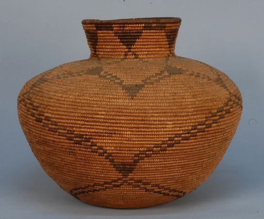 353: NATIVE AMERICAN APACHE STORAGE JAR, 1890-1920. Oll