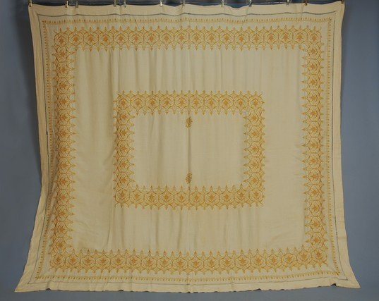 518: EMBROIDERED LINEN BED COVER, c. 1900. Natural line