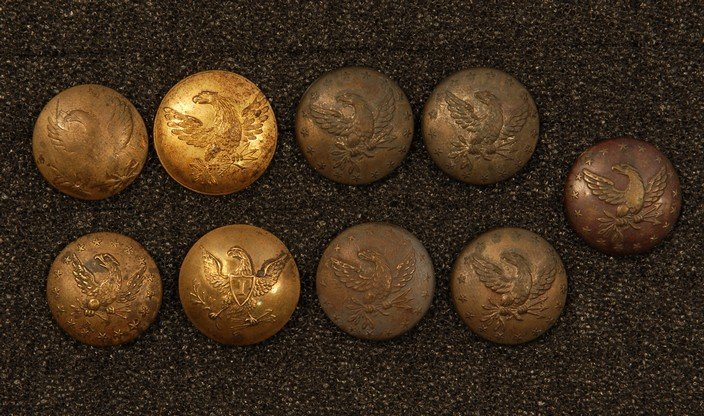 19: U.S. INFANTRY and INFANTRY MILITIA BUTTONS, 1812-18