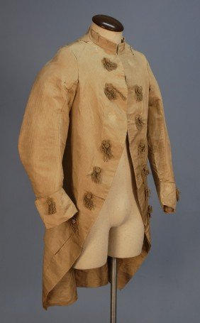 295: GENT'S SILK COAT, 1770's. Greenish beige with wove
