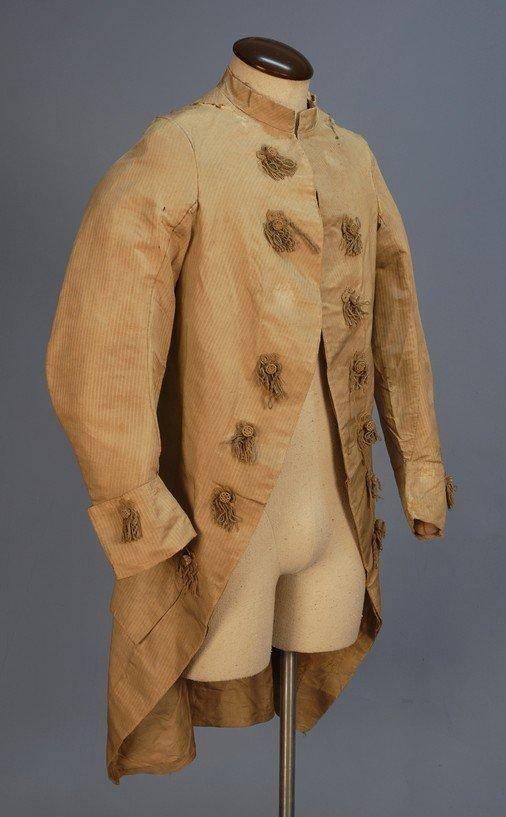 295: GENT'S SILK COAT, 1770's. Greenish beige with wove