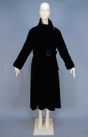 312: REDFERN BLACK VELVET LONG COAT, EARLY 20th C. Lush