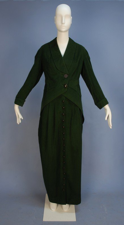 323: LADY'S WOOL SUIT with HOBBLE SKIRT, c. 1910. Fores