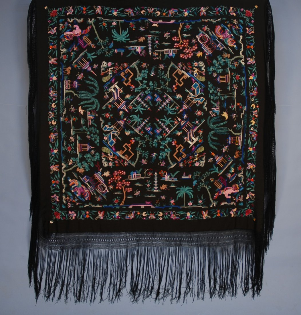 635: FIGURAL EMBROIDERED CHINESE EXPORT SHAWL, c. 1900.