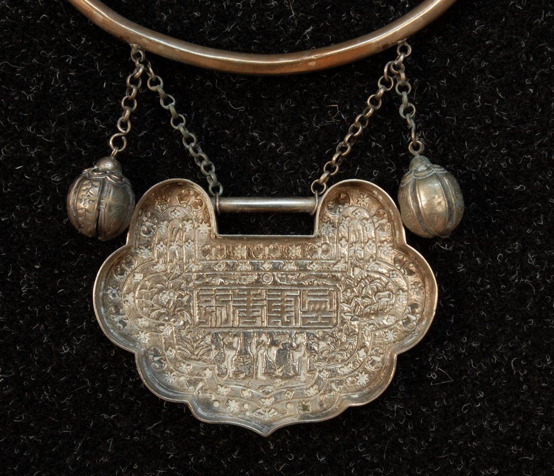 780: CHINESE SILVER WEDDING COLLAR, EARLY 20th C. Large - 4