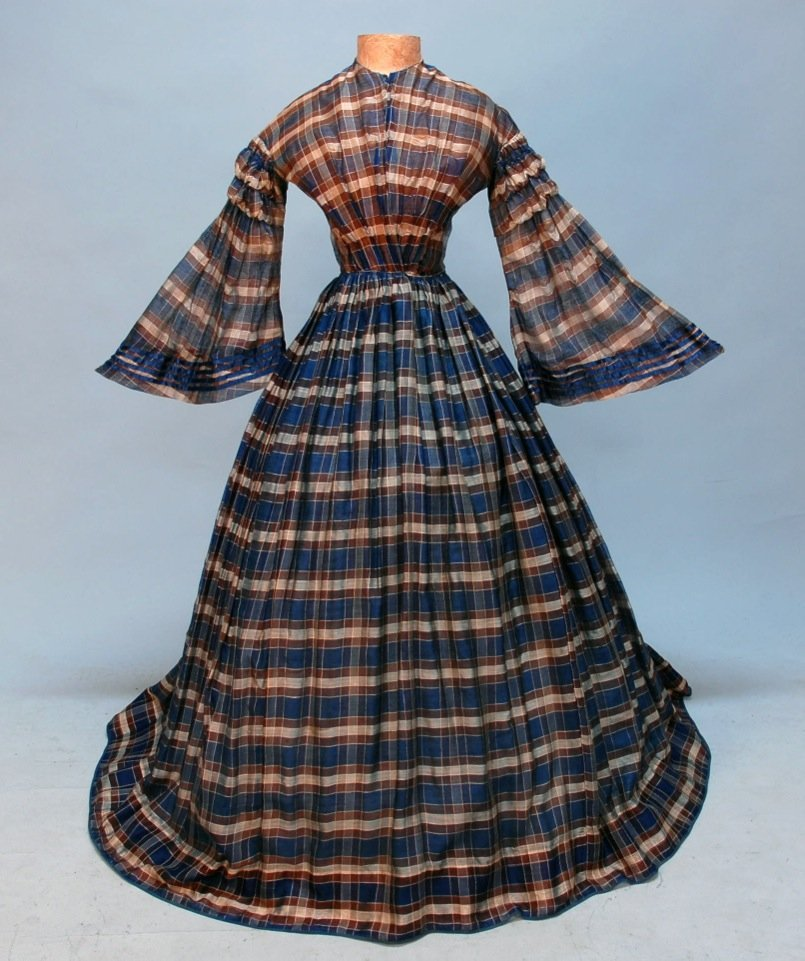 423: COTTON PLAID DAY DRESS and STOLE, c. 1850.