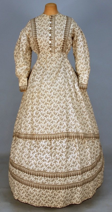 PRINTED COTTON DAY DRESS, c. 1870.