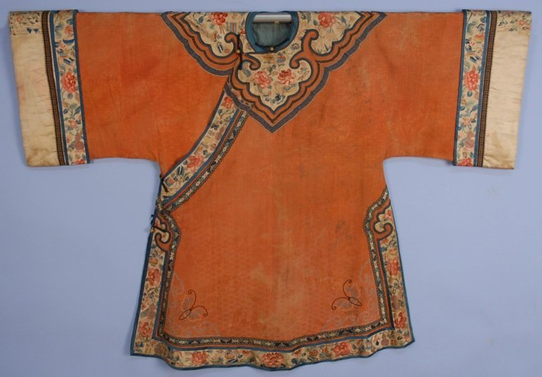CHINESE SILK ROBE with APPLIQUE and EMBROIDERY, 19th C.