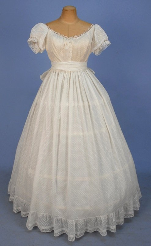 DOTTED COTTON GOWN with SASH / STOLE, 1860's.