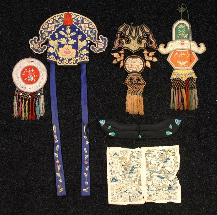 LOT of EMBROIDERED CHINESE ACCESSORIES, EARLY 20th C.