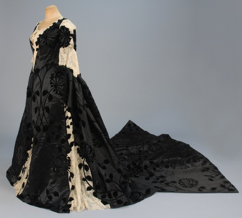 WORTH EVENING DRESS with COURT TRAIN WORN by FORMER