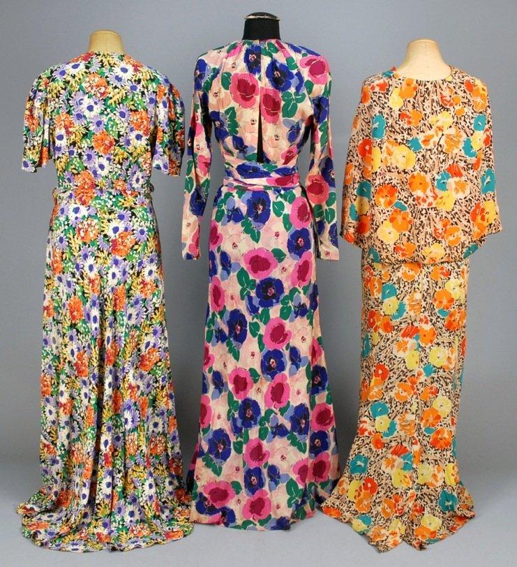 THREE FLORAL PRINTED CREPE DRESSES, 1930s. - 3