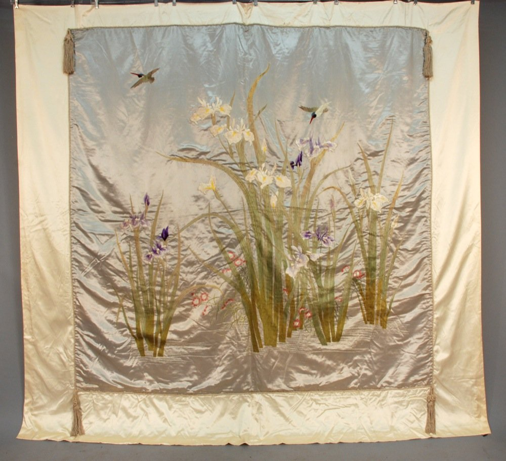 JAPANESE EMBROIDERED PANEL, EARLY 20th C. Currently a