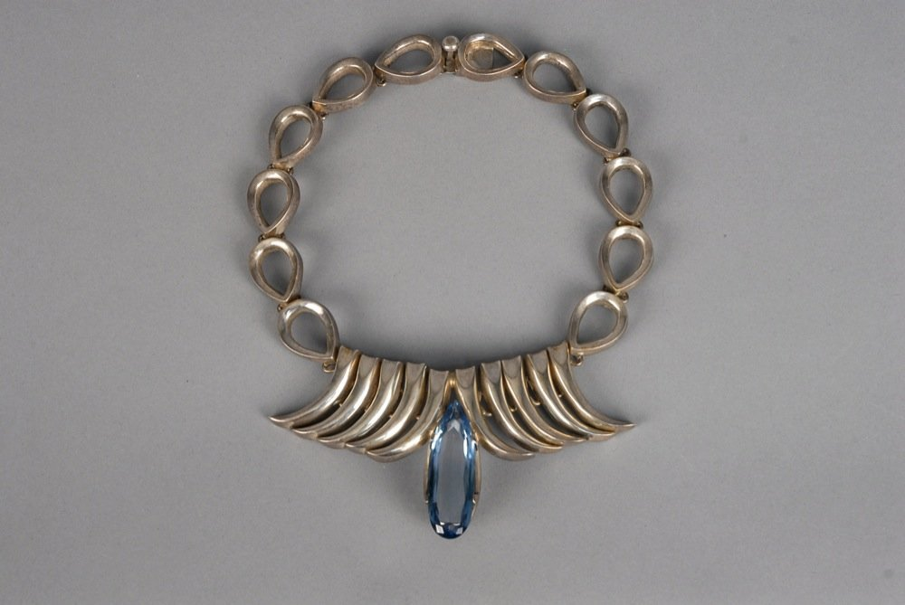 MEXICAN MODERNIST STERLING SILVER NECKLACE, MID 20th C.