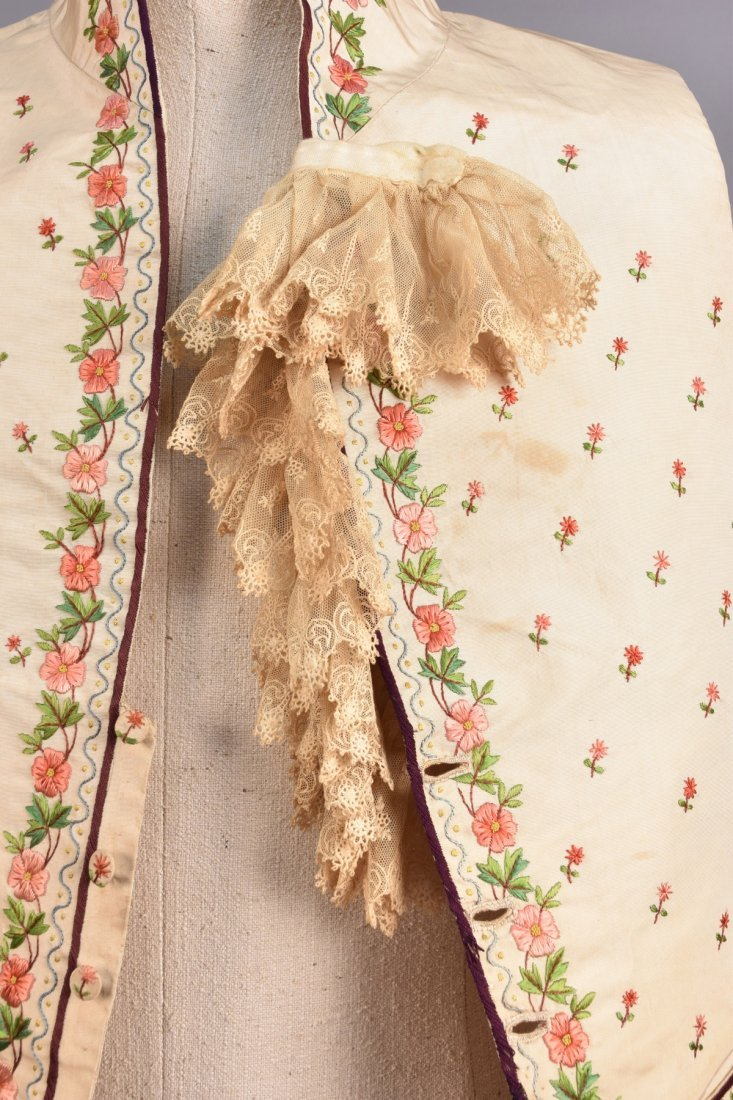 GENTS SILK EMBROIDERED WAISTCOAT, EARLY 19th C. - 3