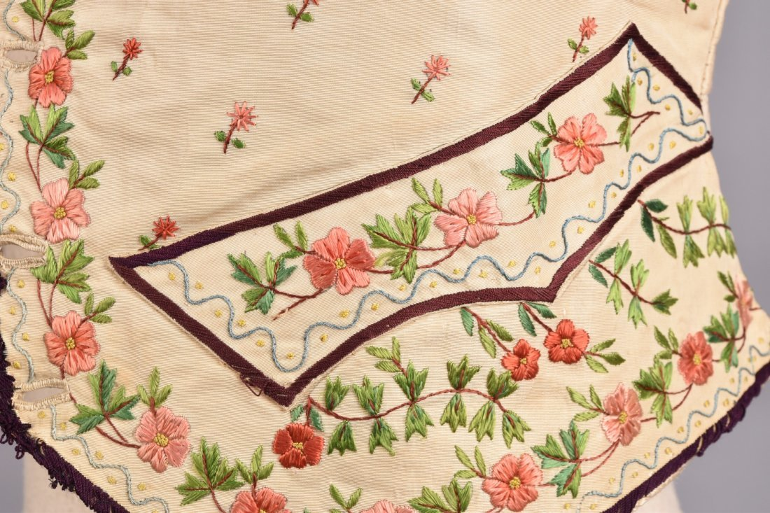 GENTS SILK EMBROIDERED WAISTCOAT, EARLY 19th C. - 4