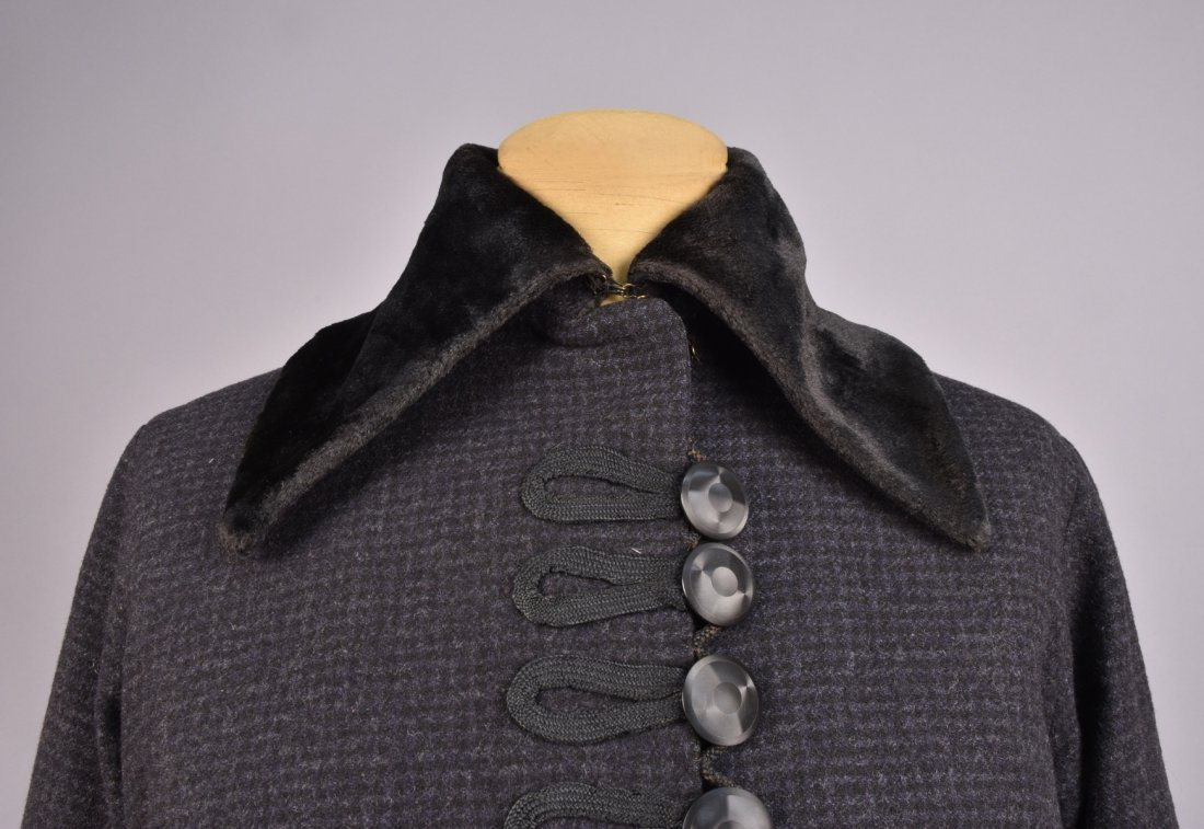 LADYS CHECKED WOOL WALKING SUIT, 1914 - 1918. - 3