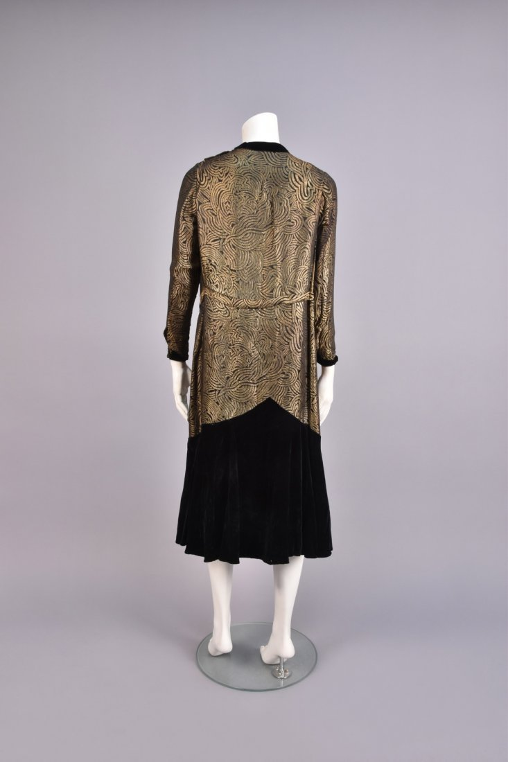 VELVET and GOLD LAME DINNER DRESS, 1920s. - 2