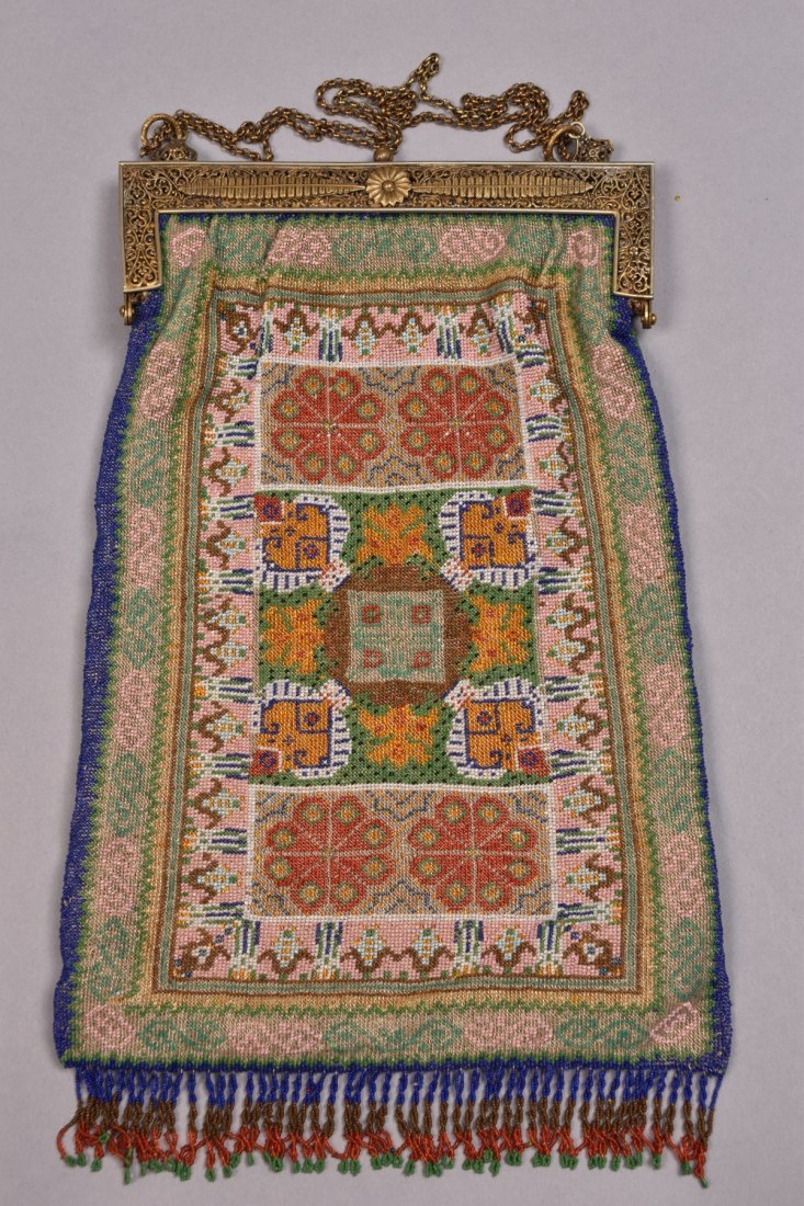 OVERSIZE FRENCH CARPET DESIGN BEADED BAG, EARLY 20th C. - 3