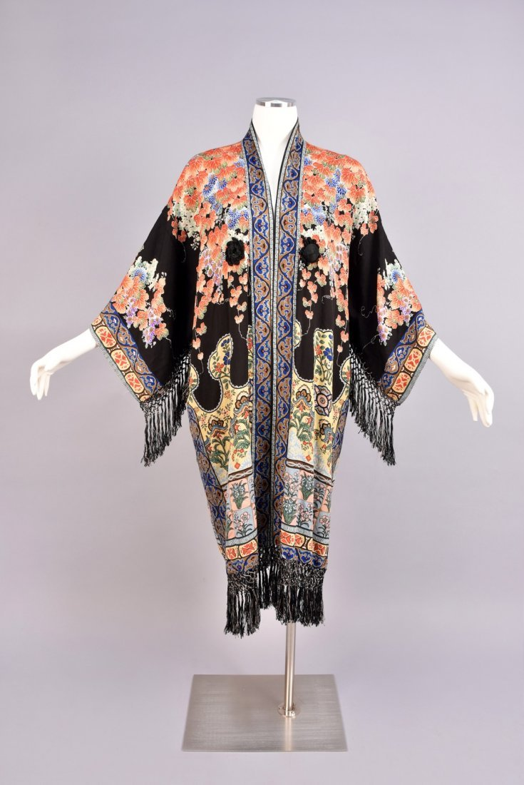 JAPANESE EXPORT PRINTED SILK ROBE, 1930s - 1940s.
