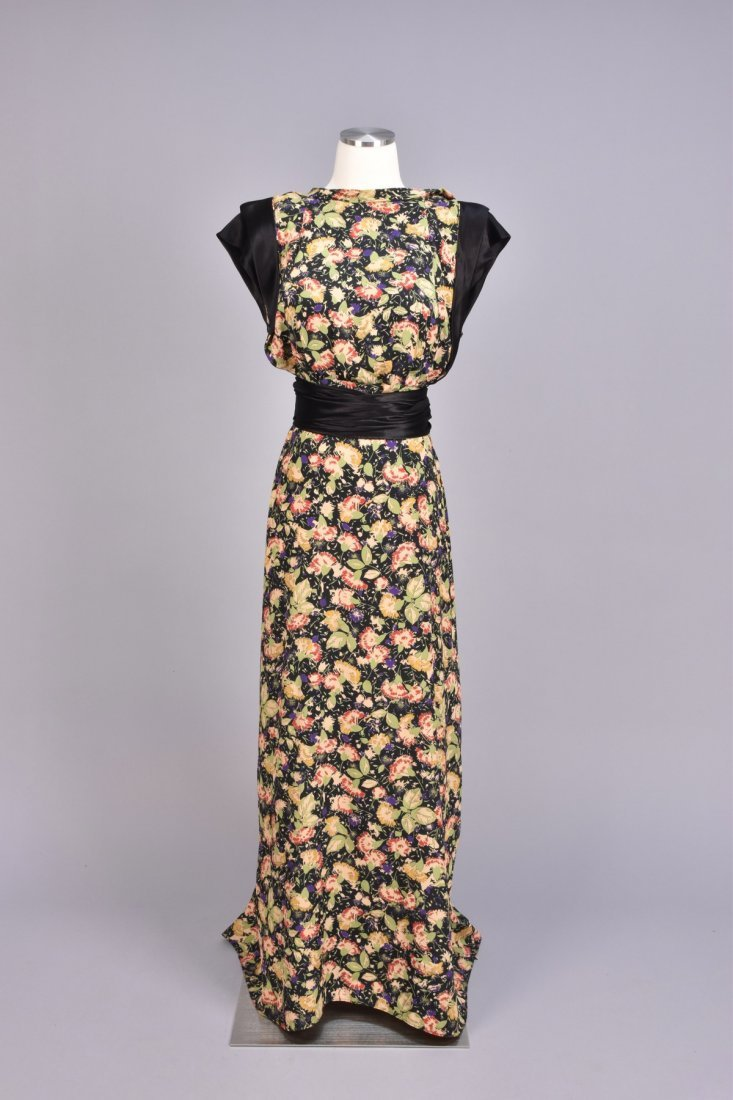 FLORAL PRINTED SILK GOWN, 1940s