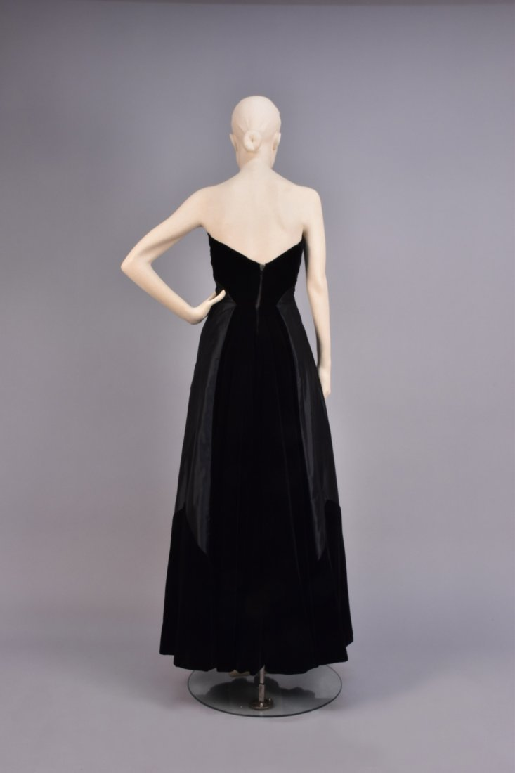 HATTIE CARNEGIE STRAPLESS BALL GOWN, 1950s - 2