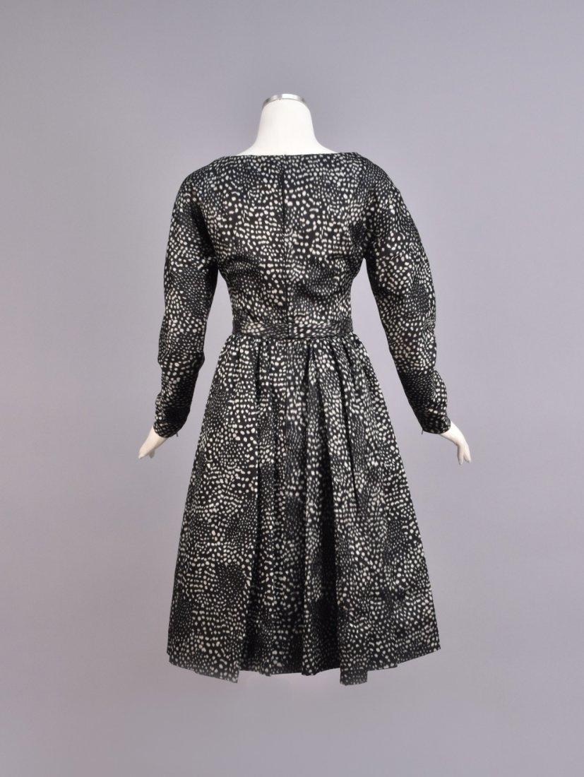 GALANOS WARP PRINTED SILK DAY DRESS, 1950s. - 2