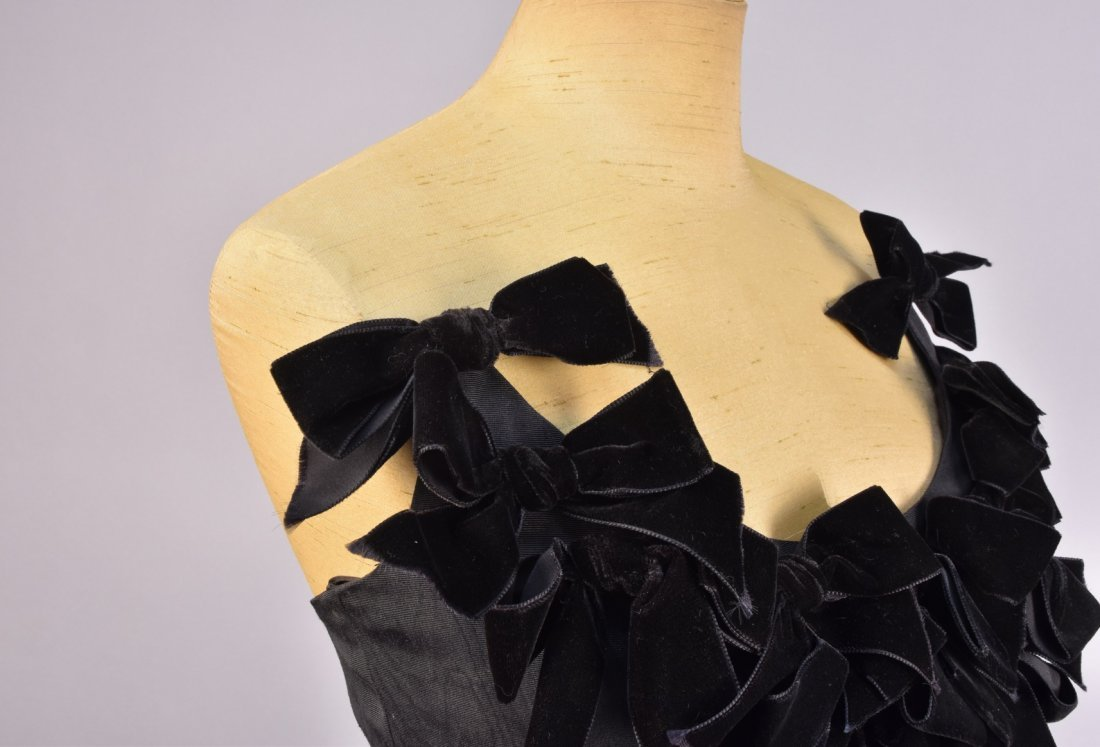 LANVIN STRAPLESS SILK DRESS with VELVET BOWS, 1960s. - 3