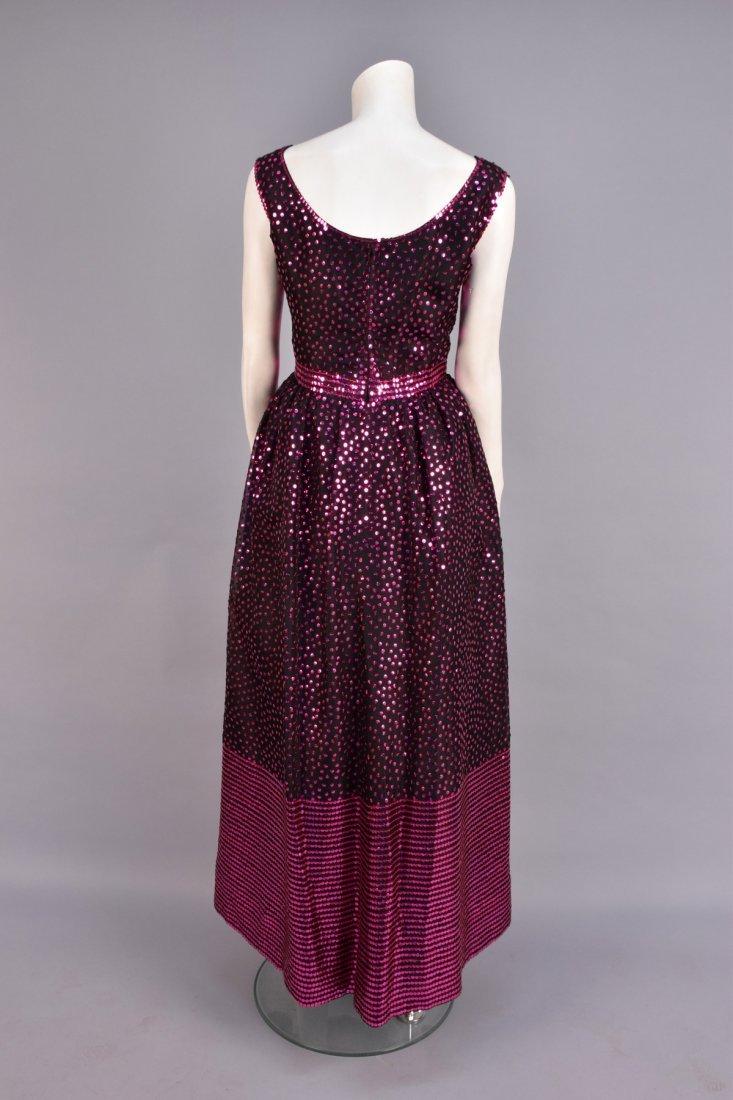 NORELL SEQUINED SILK EVENING DRESS, c. 1970. - 3