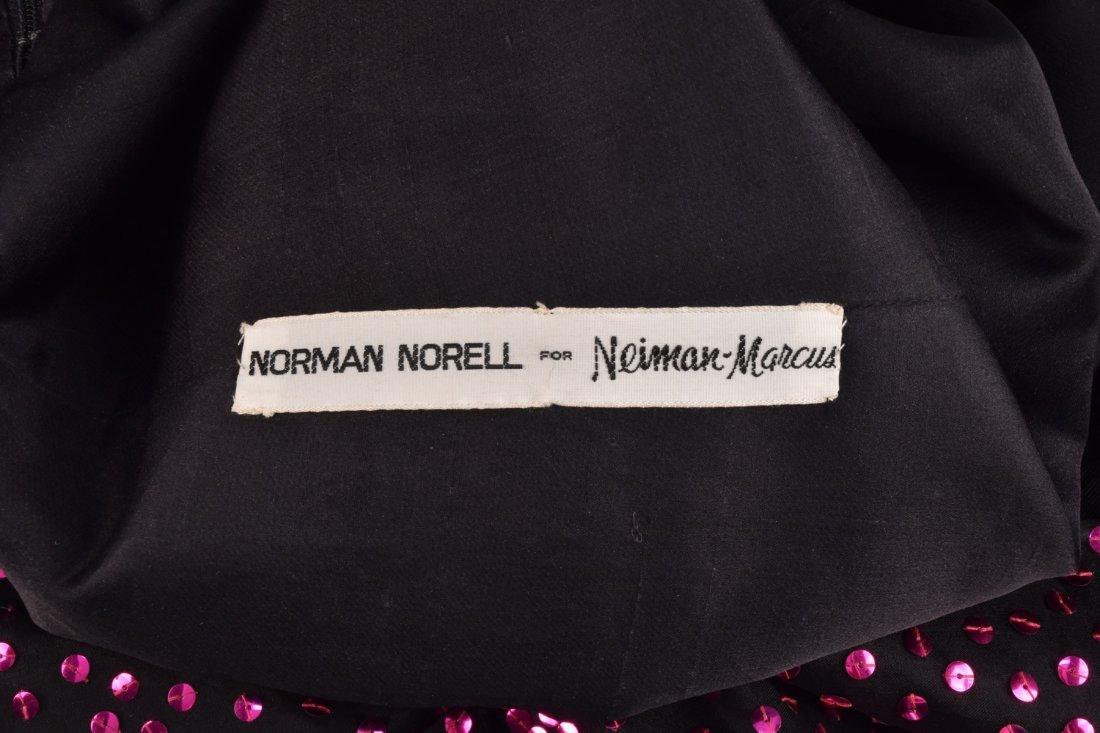 NORELL SEQUINED SILK EVENING DRESS, c. 1970. - 4