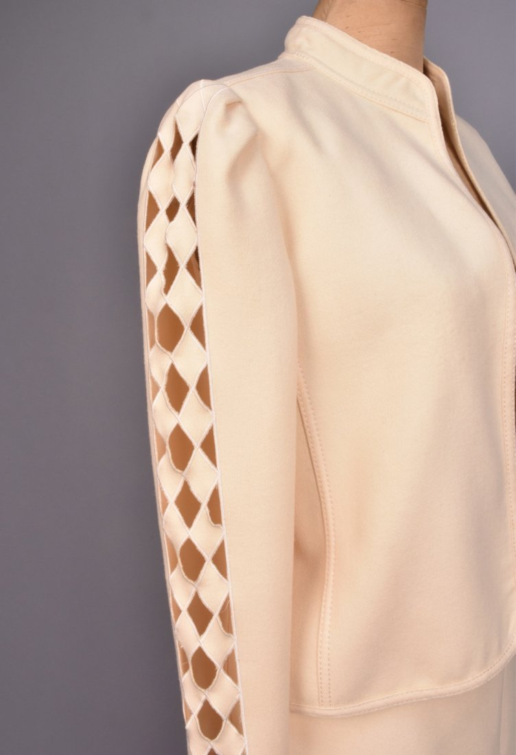 LOUIS FERAUD  SKIRT SUIT with CUTWORK SLEEVE. - 2