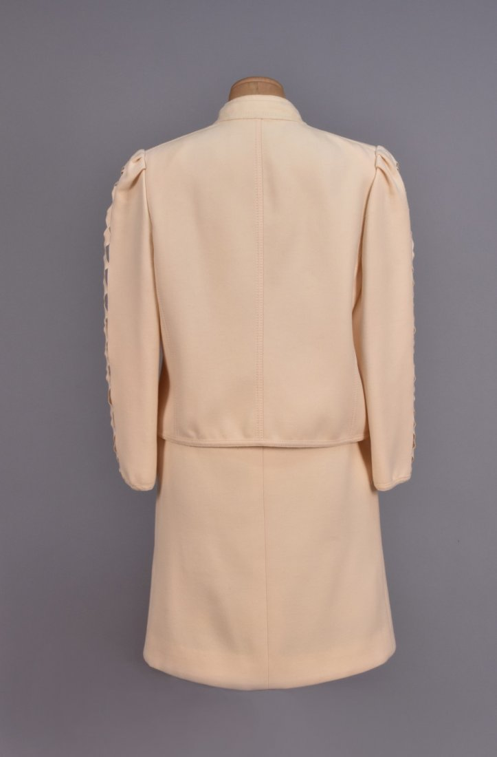 LOUIS FERAUD  SKIRT SUIT with CUTWORK SLEEVE. - 3